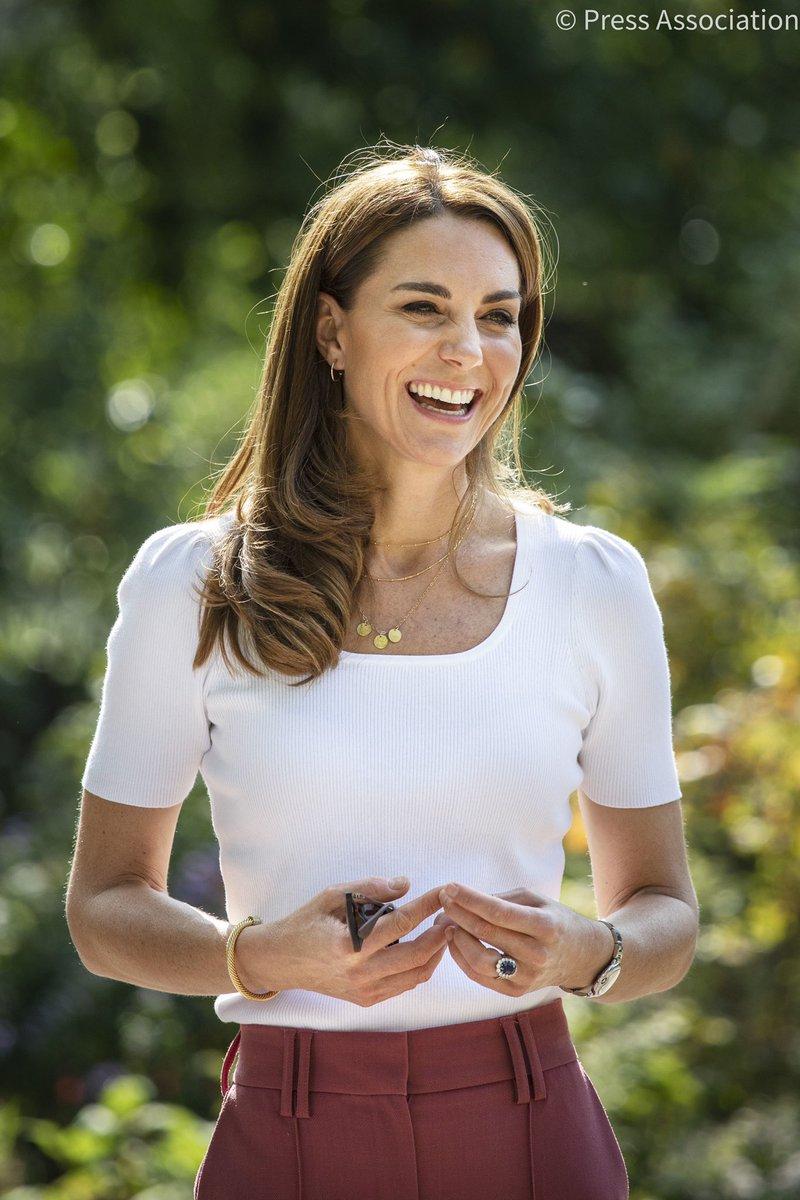 Happy Birthday to The Duchess of Cambridge! 🎊 https://t.co/RfoGguifPg