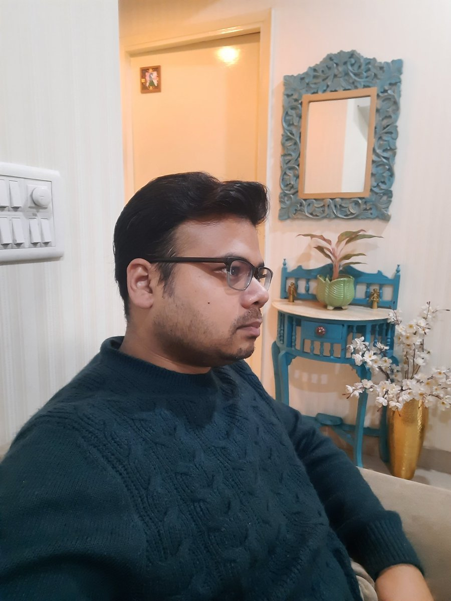 #HalfFaceTwitter chilling on a chilly saturday morning  #deepthoughts  #seriousselfie  #DelhiWinters