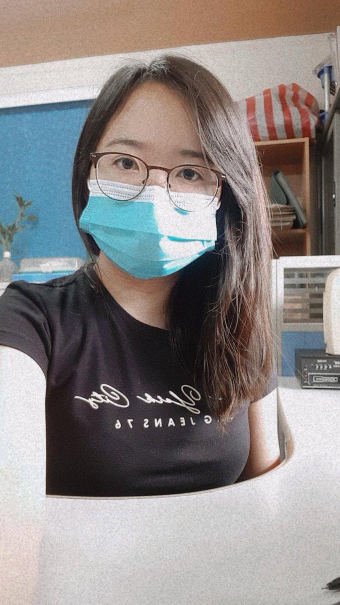 I look so thin!! 😊 #maskup #selfie  #seriousselfie