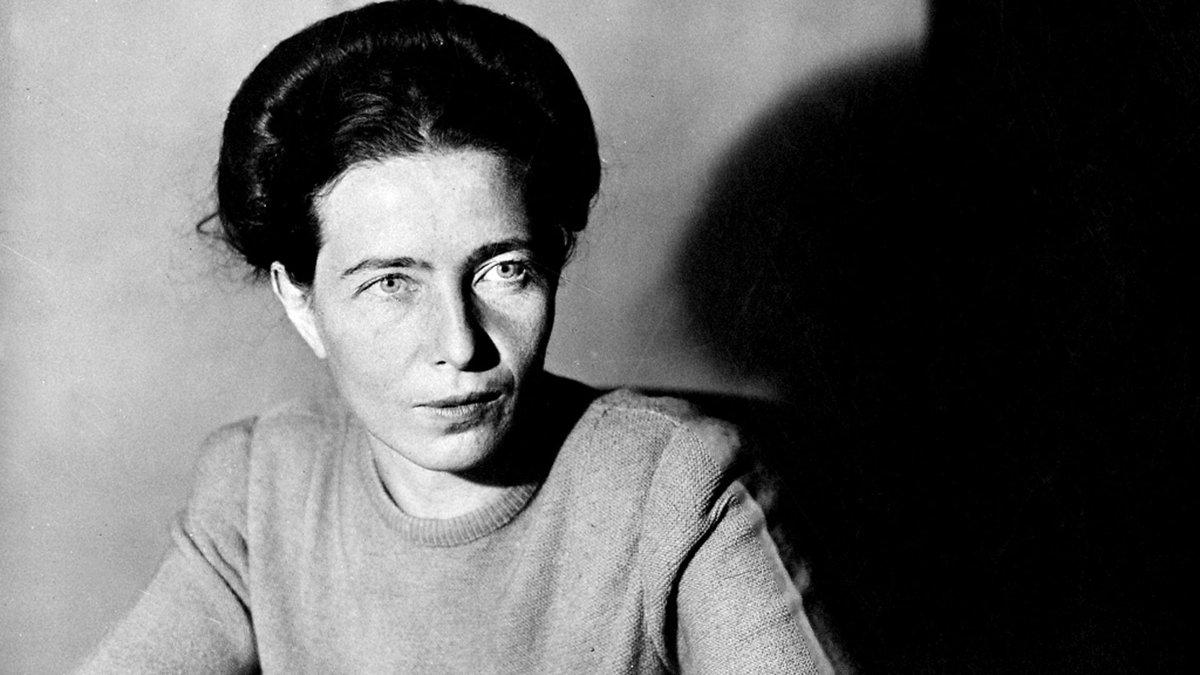 Replying to @InternoPoesia: «Io accetto la grande avventura di essere me stessa».  Simone de Beauvoir, nata oggi ❤️