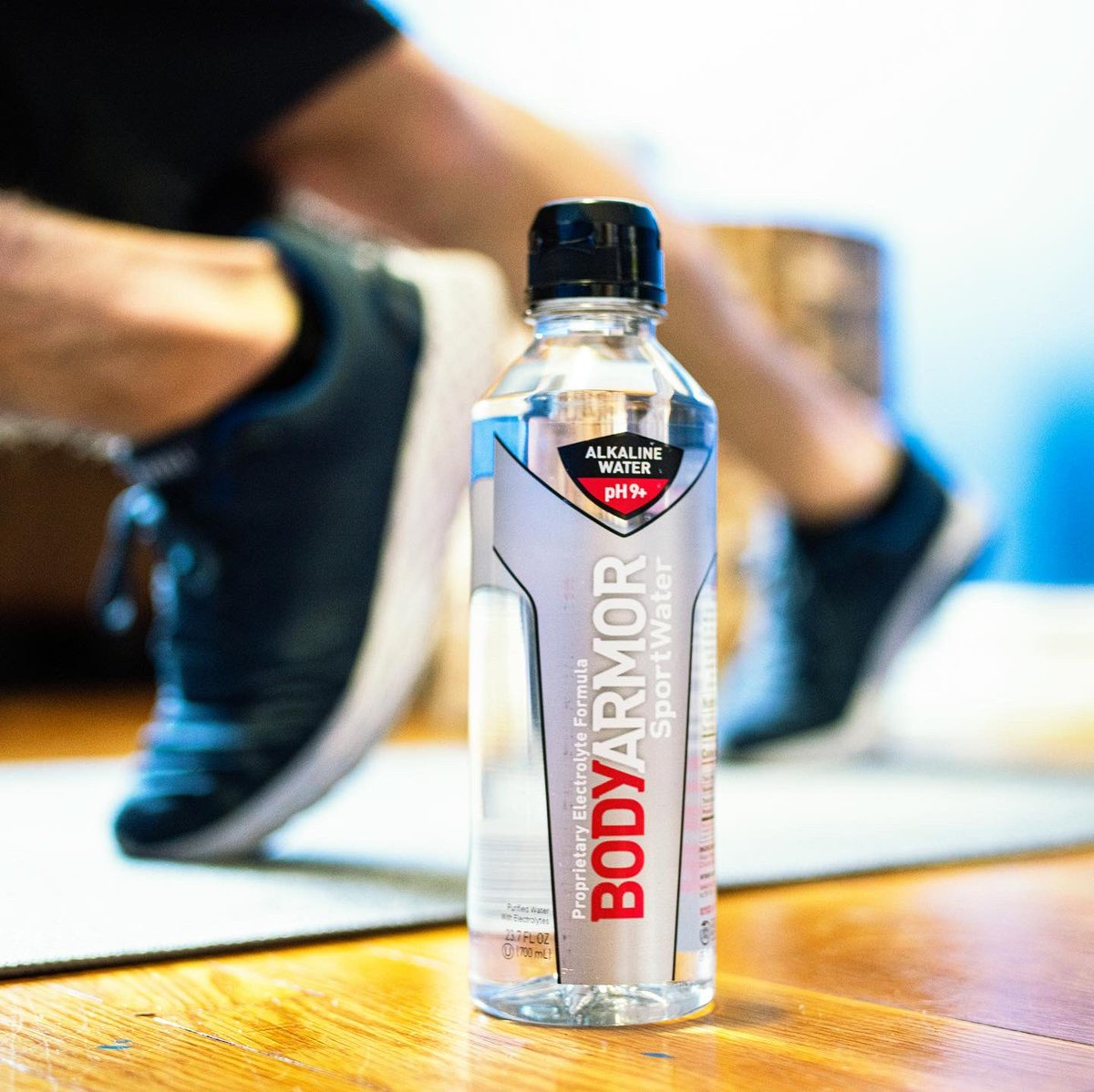 #COMMIT2FIT DEAL 👀  👉 Spend $20 on any BODYARMOR product at participating retailers and get a $10 eGift card towards one of your favorite fitness brands 💪💪   How to redeem: