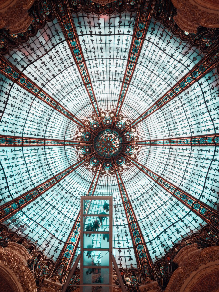 Galeries Lafayette, #Paris🇫🇷. Can we just say we are missing #Paris so much right now?