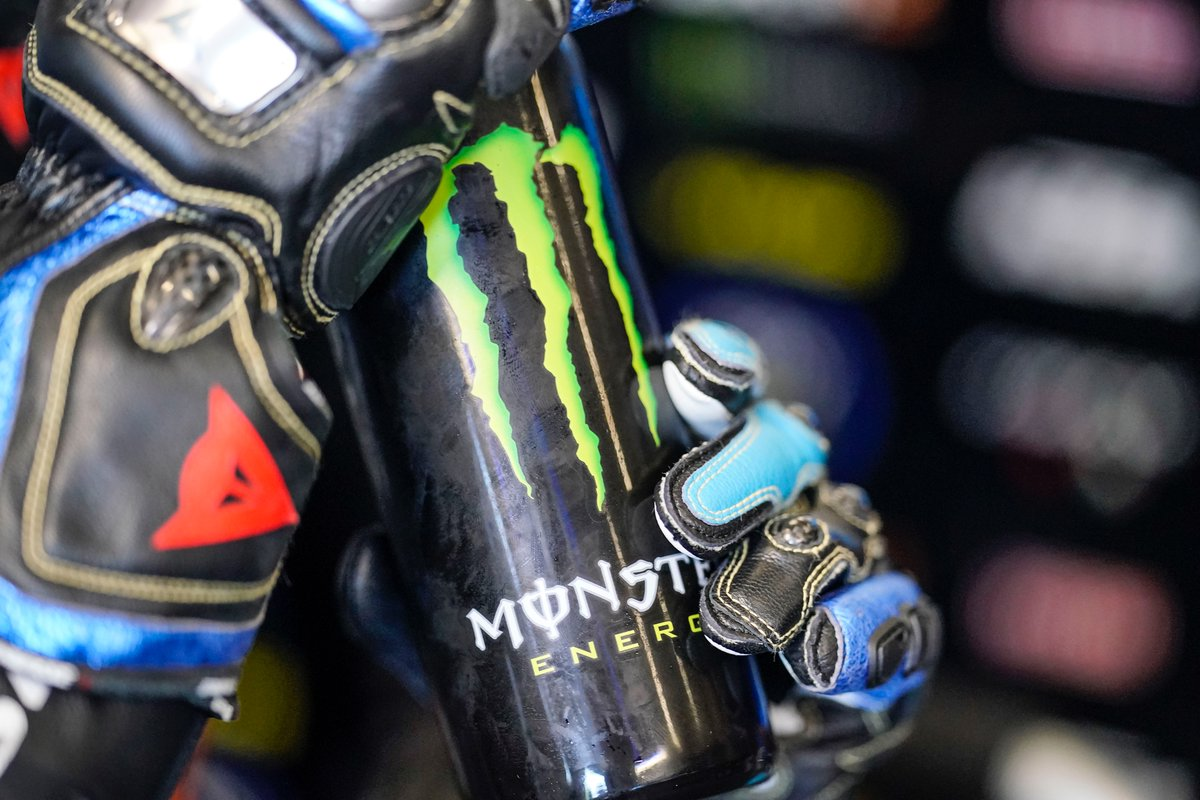 ⛽ The fuel doesn't mean only the petrol: to be always on fire @MonsterEnergy help is needful! 😍💪  #SkyRacingTeamVR46 #MotoGP https://t.co/UP7Ov8ETzi