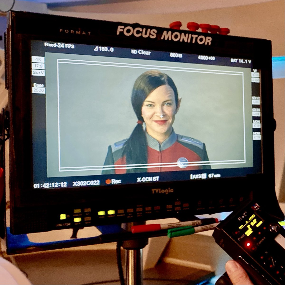 Hey @TheOrville gang, my @Twitter feed has been a misery pit this week, so here's some #S3 #TheOrville non-spoiler @jessicaszohr cheeriness to make up for it. @SethMacFarlane @planetary_union @hulu 👽💫🌎
