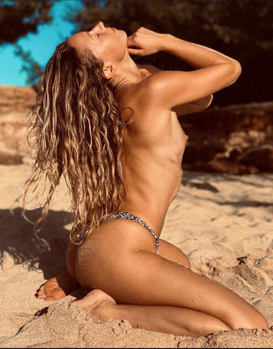 Sexy Saturday babes 🌺💕🌹🦋💦 https://t.co/OMy2Z6L2sV