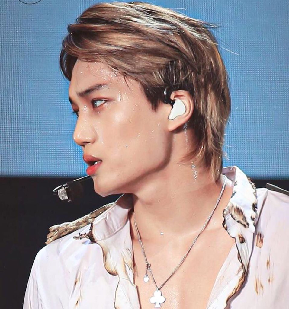 Replying to @n0thingonkai: kim jongin moments where he looked ABSOLUTELY UNREAL: a thread