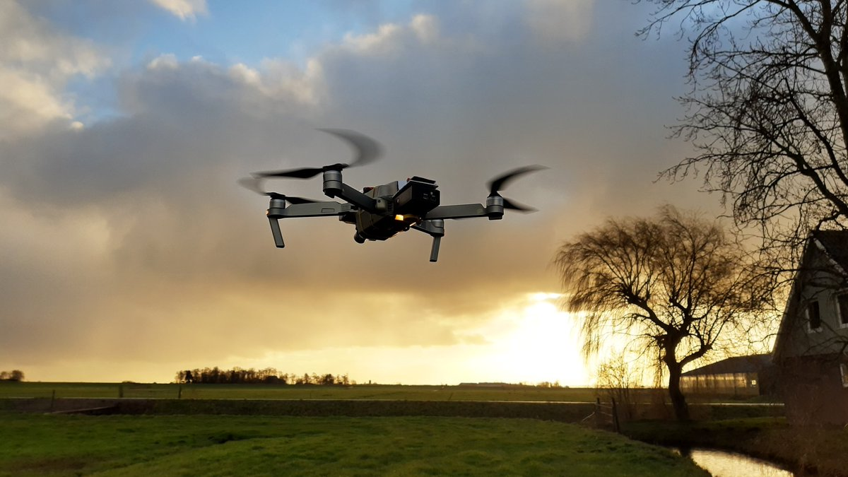 Today HiView performed test #drone flights with a thermal cam. In preparation of a MIT (from @RVO_Nederland) research project concerning frost that is a threat for fruityards. Together with @FutureWaterNL and @tudelft.