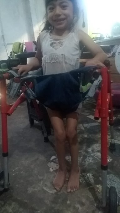 2 pic. RT LUCIA NECESITA ESTA MEDICACIÓN  #ayudemosalucia https://t.co/vBfuwFWfDC