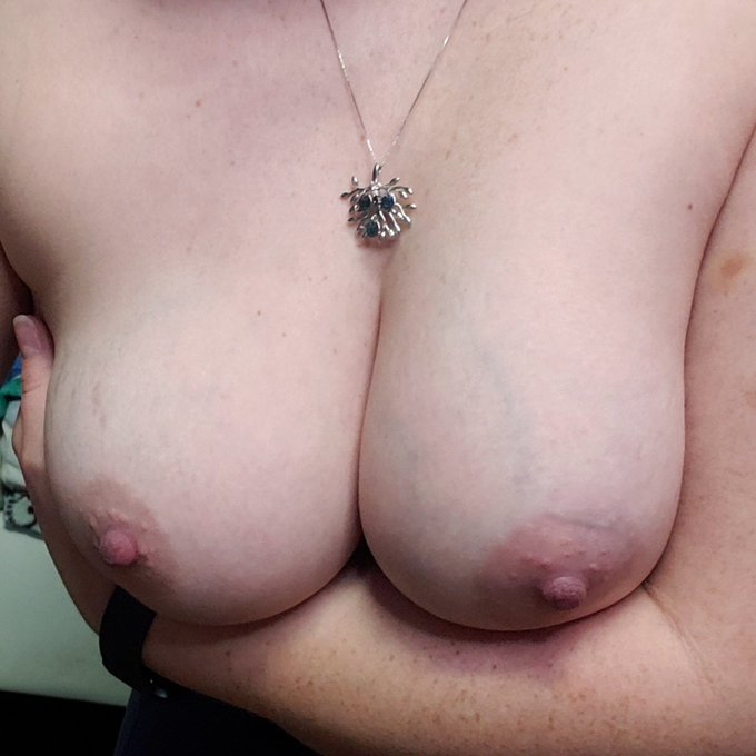 This is my night off so I won't be on cam but if you wanna buy some porn or just buy me dinner thats