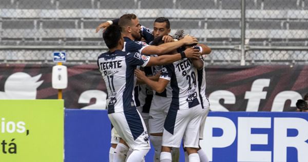 Monterrey debuta con triunfo ante Atlas, Rogelio Funes Mori marcó doblete