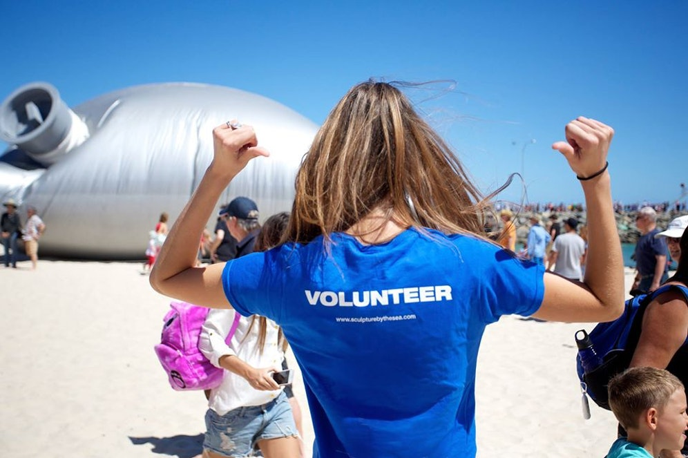 Join our volunteer team and become one of the friendly faces at the 17th annual Sculpture by the Sea, Cottesloe 2021 exhibition. For more information and registration, visit: https://t.co/0GznQU0w3x https://t.co/rcEAVnMsdX