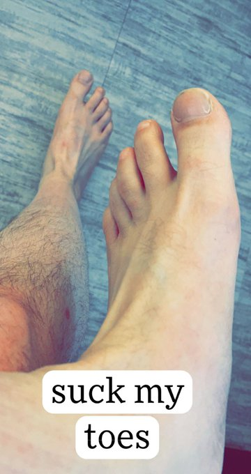 2 pic. Had some requests to show off my feet, so here you go, boys. RT if you'd rub them and suck on
