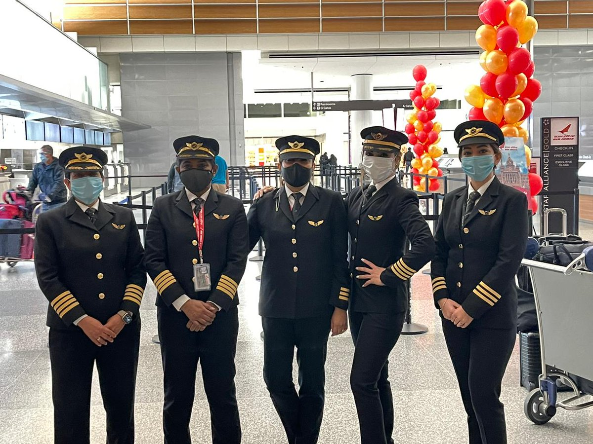 #FlyAI : @flySFO was set abuzz with Air India's women pilots gearing up to conquer the sky with their epic non-stop flight over the Pole en route to @bengaluruairprt.