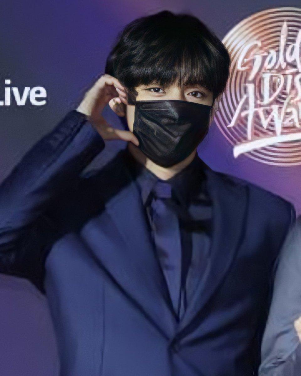Taehyung at GDA Red carpet 💜 . . . . . . . . KIM TAEHYUNG GDA 2021 #TAEHYUNG #GDA BLUE AND GREY PROD V Purple #KimTaehyung  #BTSV  #김태형 #뷔생일ᄎᄏ #뷔 #방탄소년단뷔 @BTS_twt
