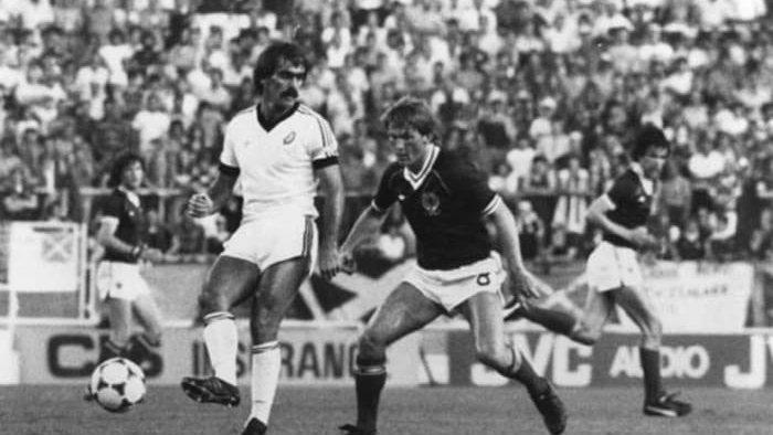 في مثل هذا اليوم من سنة 1982 فازت نيوزيلندا 🇳🇿 على الصين🇨🇳 وتأهلت لأول مرة إلى نهائيات كأس العالم🏆التي جرت في أسبانيا 🇪🇸.  هل تتذكرون هذه النسخة من كأس العالم🤔