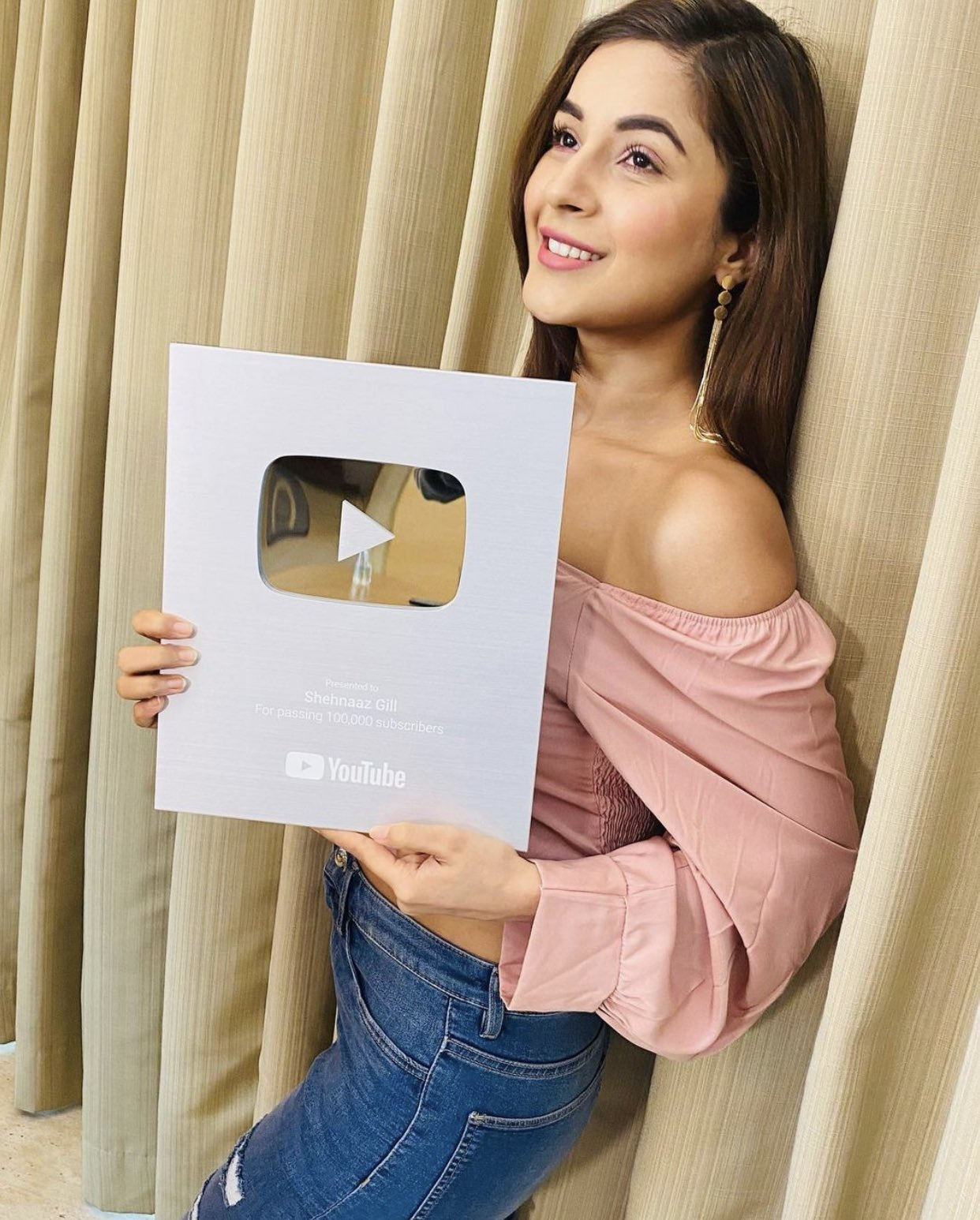 Shehnaaz With Youtube Silver Play  Button