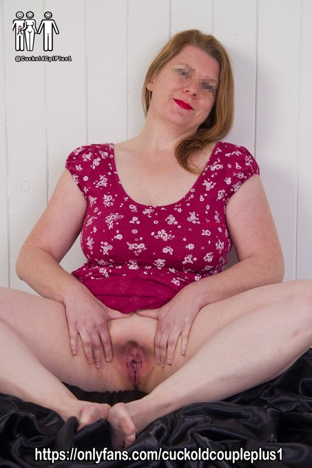 2 pic. A couple more shots from various studio #photoshoots  Check out my Adventures as Hotwife & Amateur