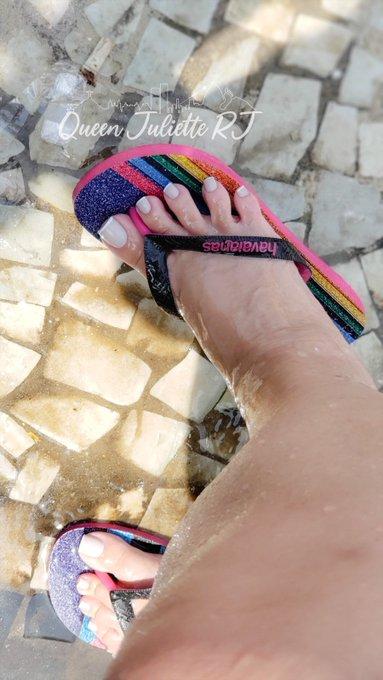 Onlyfans da @juliette_rj  ✨👣 36 ✨Long toenails ✨Bbw Disponivel para: ✨  sessão online/presencial ✨ videos