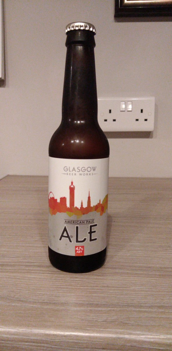 Got a box of beers for Xmas, all from Glasgow Beer Works. Not sure I'll manage them all tonight but gonna try.