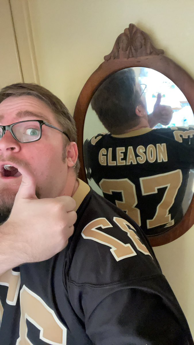 Playoff football only means one thing. Favorite jersey time. #nowhiteflags #neverpunt #teamgleason #WhoDatNation #Saints