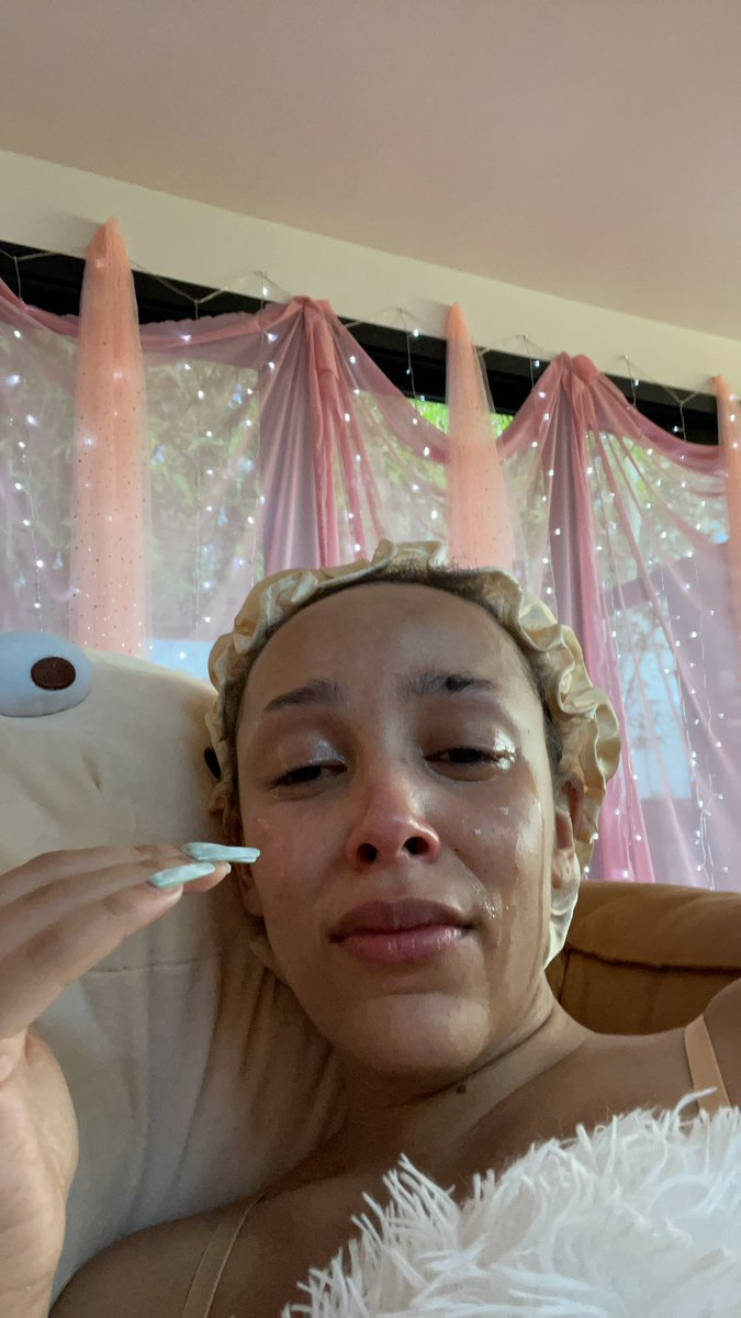 I literally- that tik tok is so cute I can't keep it together rn y'all stream BESTFRIEND