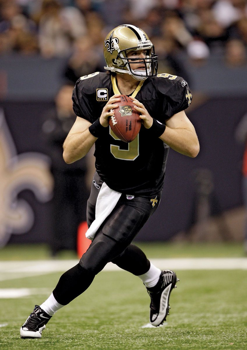 Prolific 42-year-old QB Drew Brees reportedly played his final #NFL game tonight w/ 3 INTs and a New Orleans Saints loss. But I choose to think about brighter days for one of the best players ever, on & off the field, throwing a record total 572 TDs. #DrewBrees #WhoDat #NOvsTB