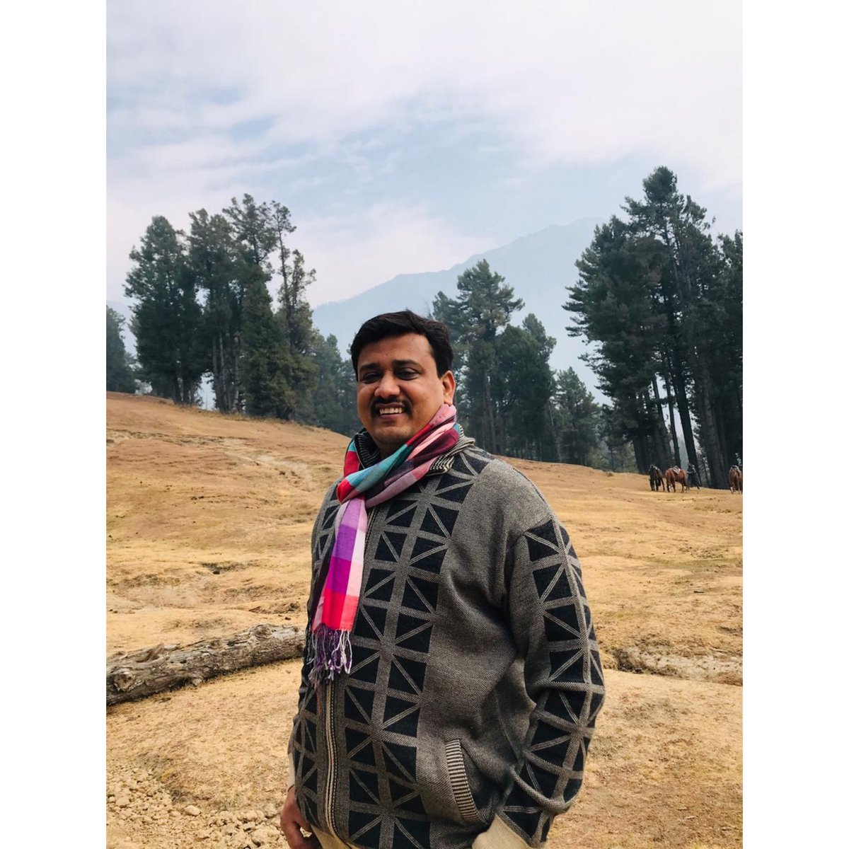 """""""Learn to value yourself, which means: fight for your happiness."""" . . . #happiness #goodvibes #exploreme #nature #love #peace #sandipkale #Sandipkalejournalist #media #vacation #kashmir #like4like #follow4follow #love #share #comment #sandipkalebooks #saam #sakal #india #mumbai"""