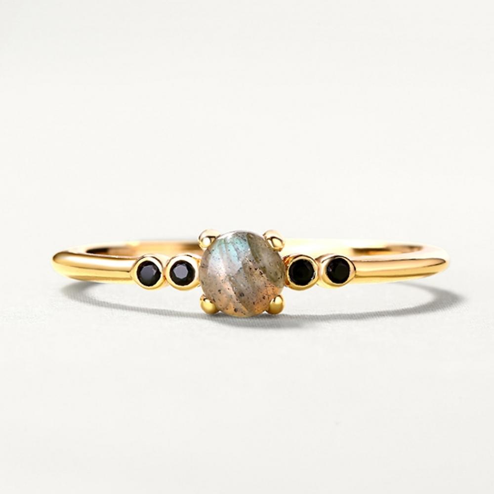 Women's Minimalistic Sterling Silver Ring #EngagementRing #FashionAccessory #Gemstone #Gold #Jewellery #Metal #Ring#love #beautiful #cute #picoftheday #follow #followme #style #design #lifestyle #fashion #trending #mustbuy #shop #shopping #like4like #followforfollow