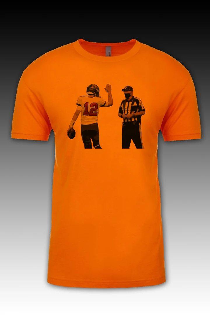 Hey Ref! Don't leave me hangin' 🤣     #shoplocal #tshirtdesign  #1771designs #stpetefl #tampa #RaysUp #GoBolts #raisetheflags #gobucs #tampabaybuccaneers  #wethenorth #wethesouth