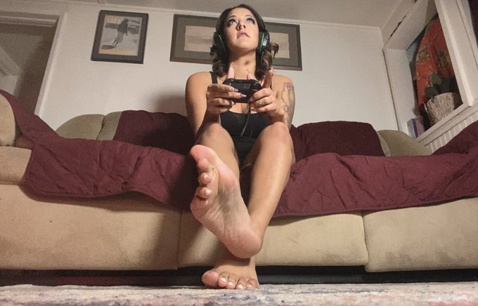 Worship my feet while I play Xbox and ignore you. https://t.co/IzCnpsgTl8 https://t.co/WgwIuaQ5SO