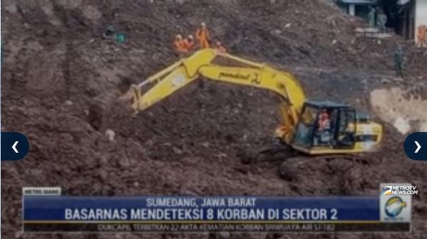 #MetroSiang Terkait bencana alam tanah longsor di Sumedang, BASARNAS mendeteksi 8 korban di sektor 2. Streaming: