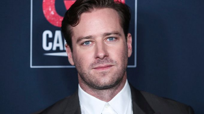 Armie Hammer and Renee Zellweger cast as Hannibal Lecter and Clarice Starling in Silence of the Lambs remake. @armiehammer  https://t.co/mgRuB6kE23 https://t.co/56ONHaKrdU