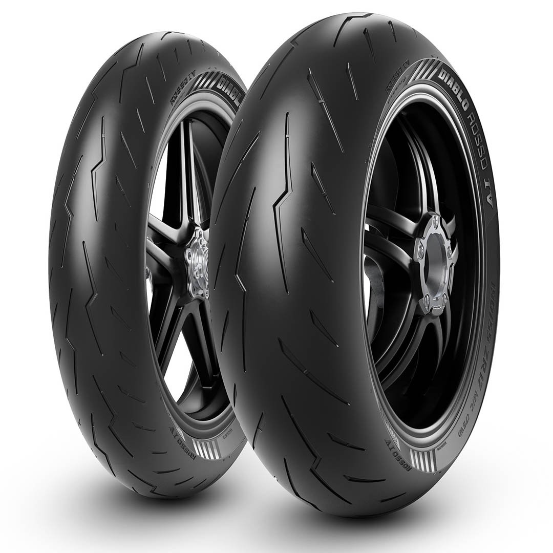 Uutta ajokaudelle 2021. Pirelli Diablo Rosso IV. Huippulaadukas sportrengas.   #mprenkaat #motoristi #prätkä #moottoripyörä #mopo #skootteri #mpmessut #mp21 #kokoontumisajot #aprilia #honda #kawasaki #suzuki #harley #davidson #yamaha #renkaat #mprengas #hs