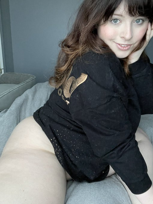 1 pic. Come get cozy with me? https://t.co/wuwICv7d4U