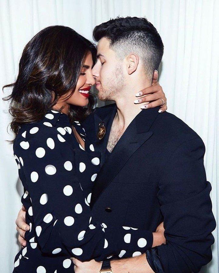 Aren't these two couple goals! . . #PriyankaChopra #priyankachoprajonas #NickJonas #hollywood #bollywood #shaadifever #love #couple #bollywoodactress #MondayVibes https://t.co/Uf3pC6ig9q