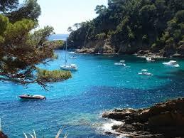 Des calanques calmes à deux pas #LeLavandou   #Tourisme #Tourism #Travel  #BaladeSympa #CotedAzurFrance #Beach #mer #Var83 #balade #beach #plage #calanque @Initialesgg @LavergneEugenie   @MKHardyPhoto @VSimon1985 @JeannetteCeja @OTLAVANDOU @MairieLavandou @jmlpyt @debleu_devert