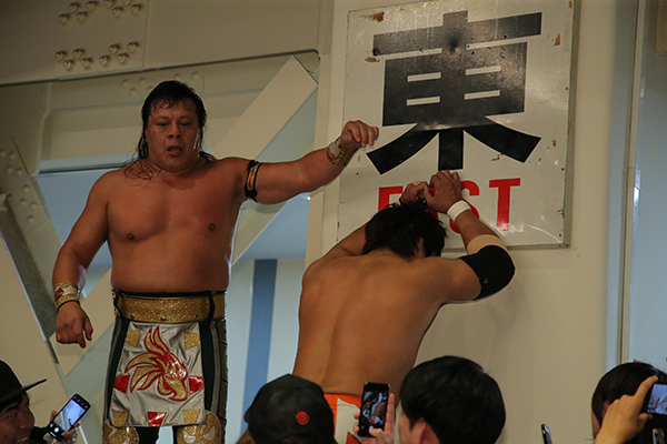 It's Tuesday, January 19 in Japan!  #onthisday in 2020, Satoshi Kojima challenged Ultimo Guerrero for the CMLL World Heavyweight Championship in Korakuen!  Relive history with @njpwworld!    #njpw #njcmll