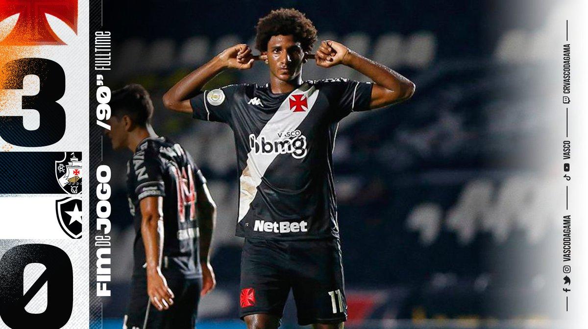 Replying to @VascodaGama: Fim de jogo em São Januário. Vence o Gigante! 💢  #VASxBOT