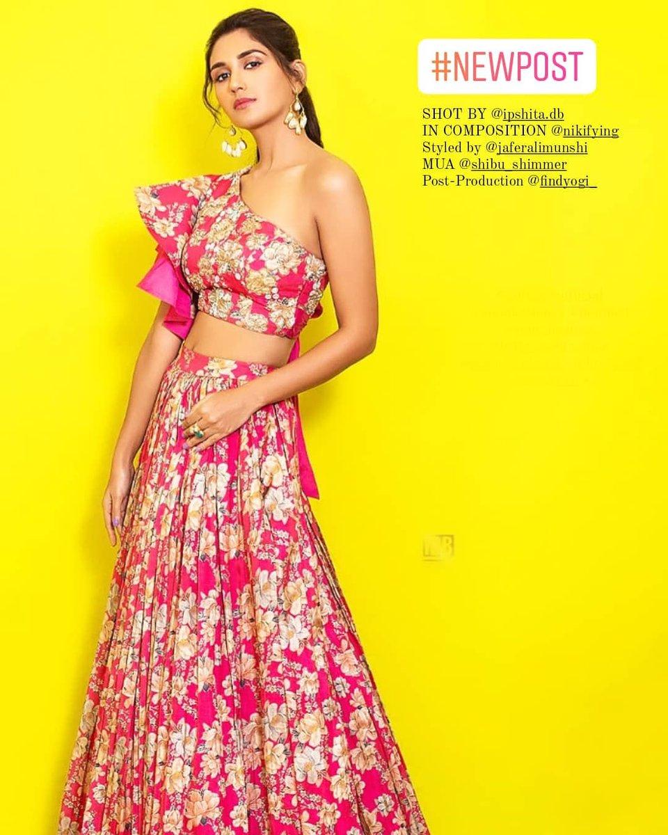 The gorgeous girl 😍😍 #NikitaDutta 😍😍  #mondaymotivation #pretty #lively #lovley #breathtaking #kapilsharmashow #kabirsingh #stunning #bollywoodactress #Bollywood #TheBigBull #abhishekbachchan #ajaydevgan #celebrity #fashionmagazine #Fitness #fashionforwomen   @nikifyinglife