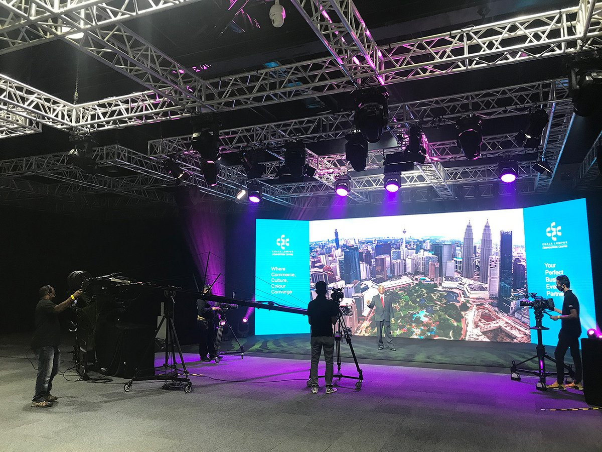 One-Stop #Virtual #Solution at the Kuala Lumpur Convention Centre (#KLCC): new #studios fitted with production-grade audio and visual equipment combined with 400 Megabit of Internet bandwidth. @KLCCConvention #eventprofs #eventcrisis https://t.co/XnH7xP4SUa https://t.co/CZnGnM8Zxm