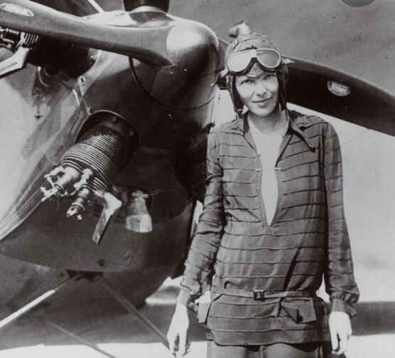 Today in HERstory 1935 – Amelia Earhart makes the first solo flight from Hawaii to North America. It was later in this stretch of the Pacific Ocean that Amelia's plane went missing. ✈️  . . . #herstory #womenshistory #todayinhistory