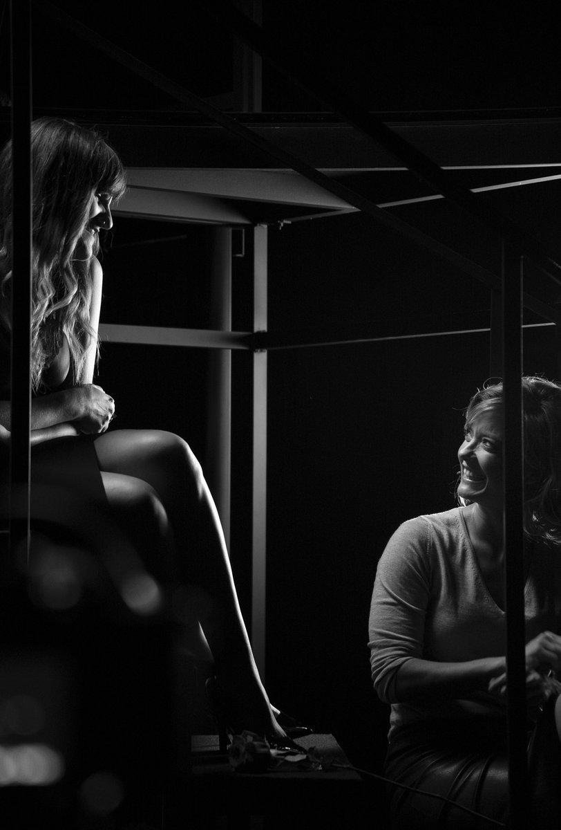 """""""Escena en Blanco & Negro"""" en @primevideoes con @rozalenmusic #BehindTheScenes #Málaga #Capítulo5 #💜"""