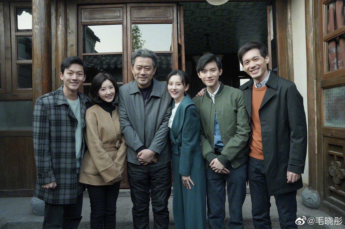 #TheBond เรื่องราวความรักความผูกพันของ 5 พี่น้องสกุลเฉียวที่สูญเสียแม่ไปตั้งแต่เล็ก ๆ มีแต่พ่อที่คอยเลี้ยงดู นำโดยพี่ใหญ่ #BaiYu และน้องทั้งสี่ #MaoXiaotong #SongZuer #ZhangWenyi #ZhouYiran และคุณพ่อ #LiuJun เรื่องนี้อยู่ใน Top List ของเรา หวังว่า @WeTVThailand จะนำมาฉาย