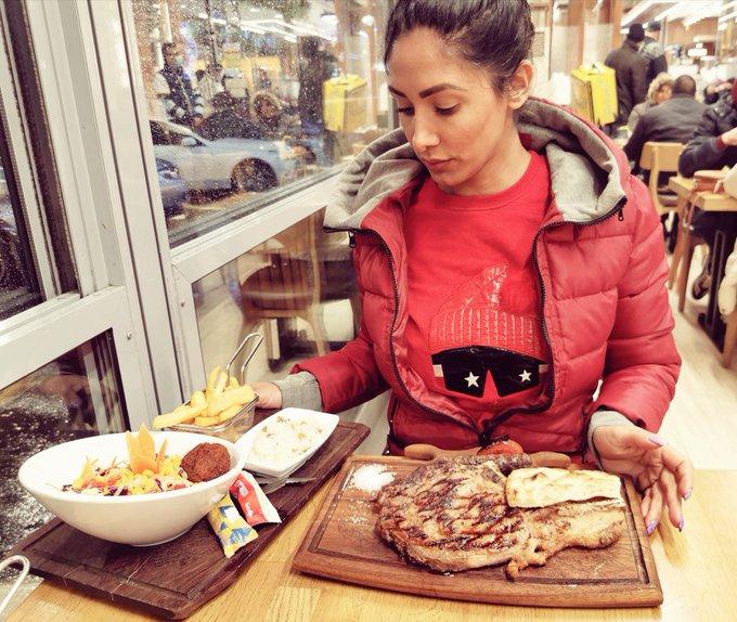 1 pic. Big steak last night, damn winter is back... ❄️❄️🤭 https://t.co/QNblupu4Ah
