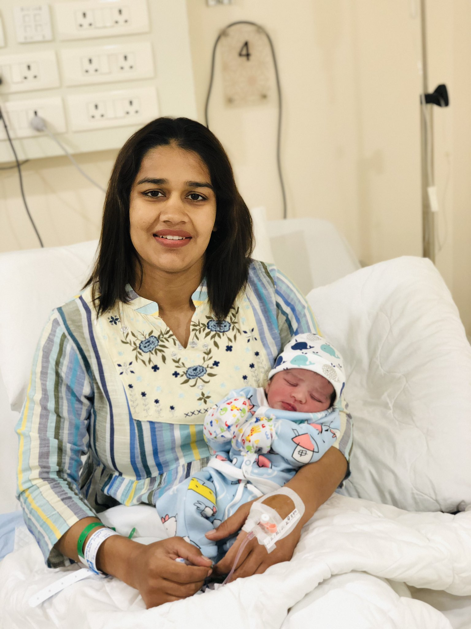 Renowned wrestler Babita Phogat and her husband Vivek Suhag also announced the birth of their baby on the very same day.
