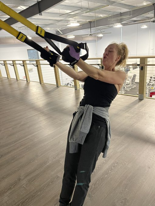 TRX is kicking my ass! #FitMILF https://t.co/IwJ3I54Lg8