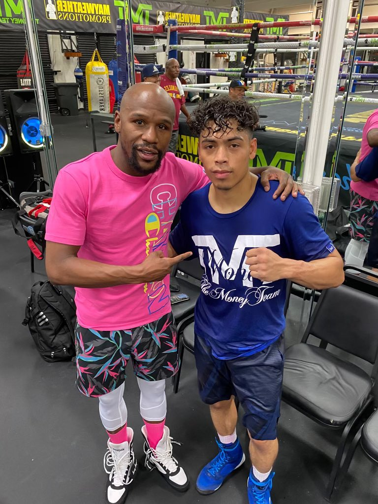 My 2 young @mayweatherpromo champs Angelo Leo & @signUp4KOs are preparing to defend their titles on 1/23 live on @showtimeboxing. #LeoFulton