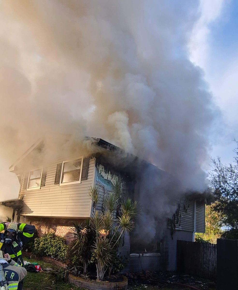 OVER THE WEEKEND: On January 10th 2021 at approx.. 4:30 p.m. @PolkFire  Battalion 4, Engine 17 and Winter Haven Fire Department Engine 531 were dispatched to a residential fire alarm located on Chaucer Ln.   FULL STORY: