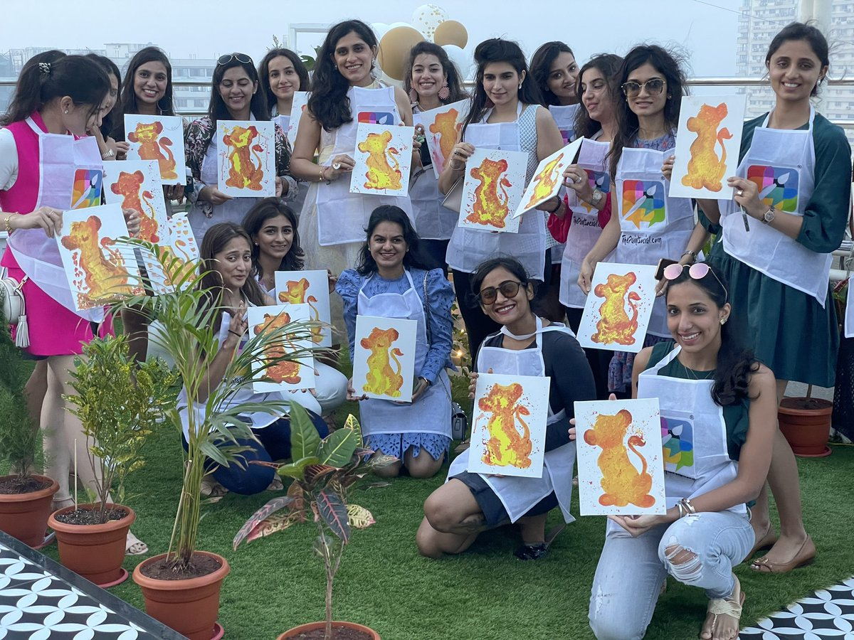 Conducted a painting workshop last evening for a baby shower event for 20 women. D.M to book your painting party with us  #painting #paintingworkshop #workshop #events #babyshower #artistoninstagram #artistofinstagram #thisweekoninstagram #shotoniphone #iphone12pro #acrylics