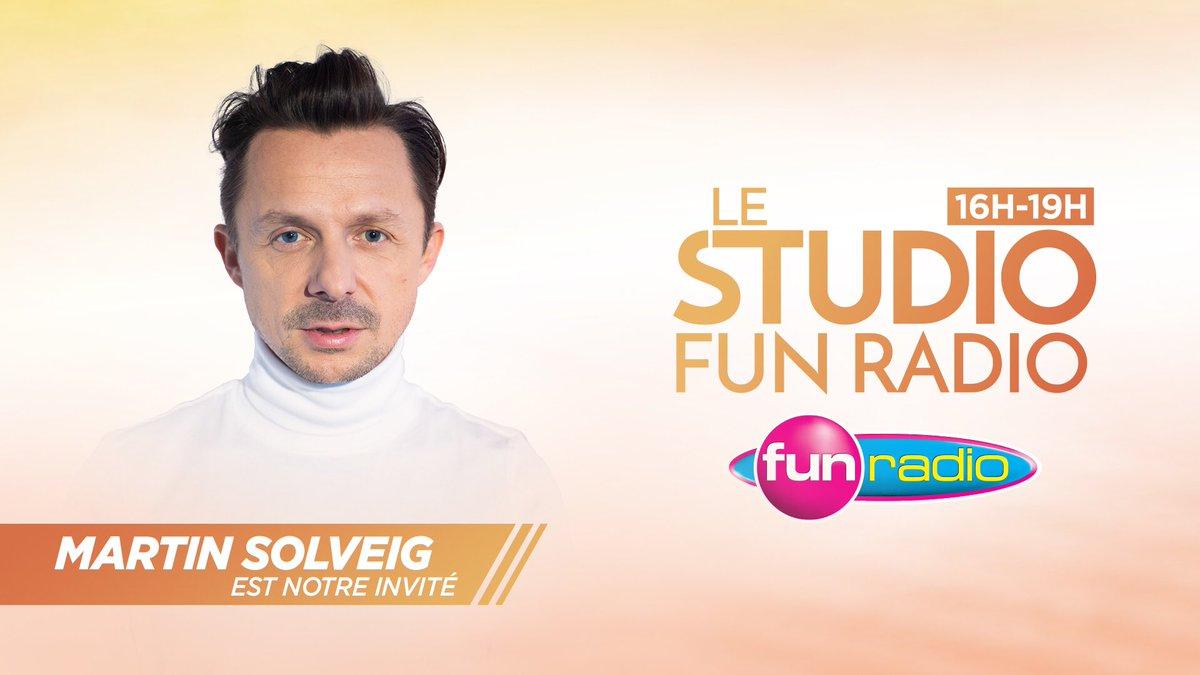 A tout à l'heure dans le Studio @funradio_fr 🥳